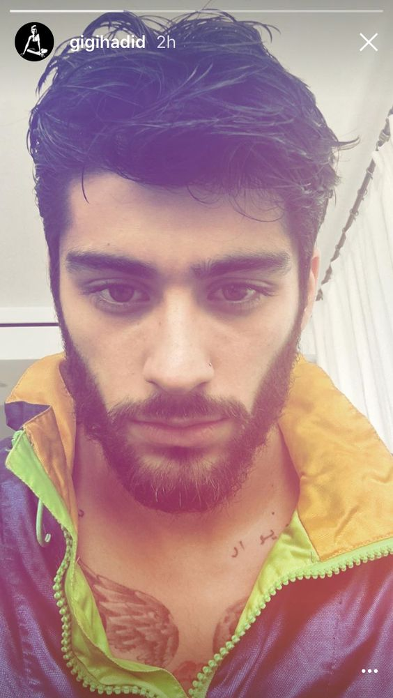 I'm dying from Zayn's sexiness. Save me