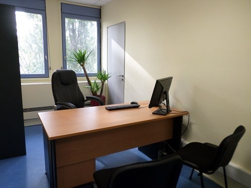 Location De Bureau Location Bureau Meubl Lyon Villeurbanne Bureau Centre Affaires Home Decor Furniture Office Desk