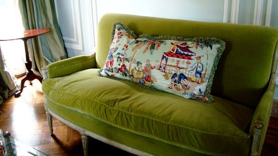 sofa, Chinoiserie Chic. Color crush.