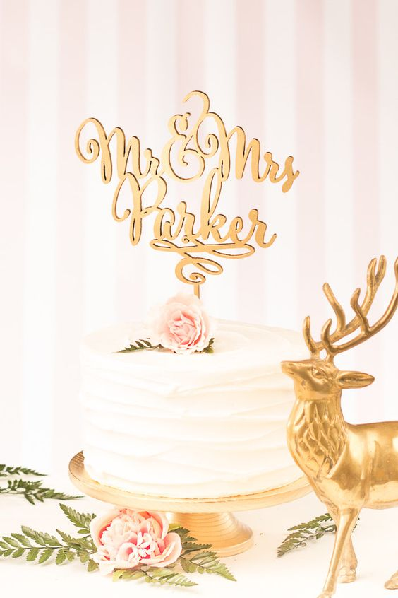 Herr und Frau Cake Topper - benutzerdefinierte Cake Topper für Hochzeitstorte - Nachname - Daydream-Collection von BetterOffWed auf Etsy https://www.etsy.com/de/listing/229229509/herr-und-frau-cake-topper
