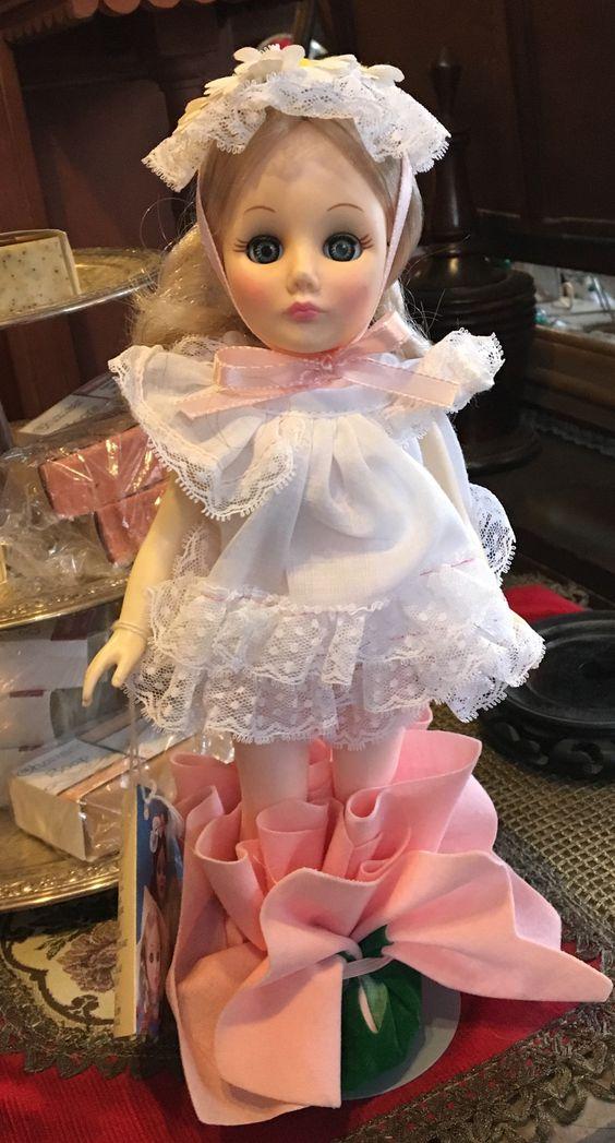 1985 Effanbee Thumbelina Doll in her Original Box