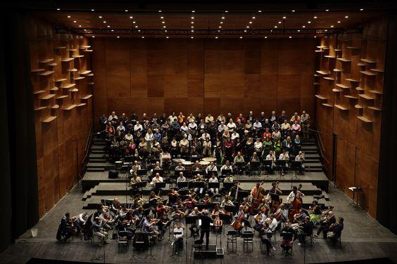 Il Coro e l'Orchestra del Maggio Musicale Fiorentino durante le prove del Roberto Devereux © Copyright Pietro Paolini / TerraProject / Contrasto