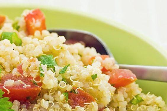 6 superfoods: quinoa, Pomegranate, Blueberries, Kale, Chia & Avacado.