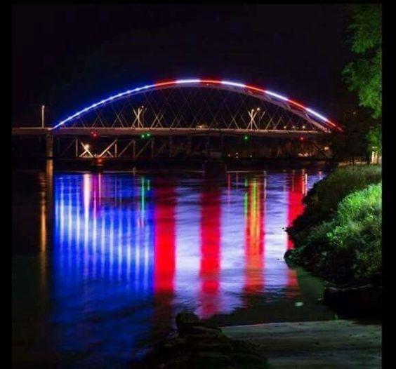 Bridge from Missouri to Kansas