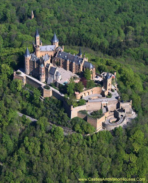 Schloss Hohenzollern Hohenzollern Castle 72379 Burg Hohenzollern Germany Http Www Castlesandmanorhouses Com P Hohenzollern Castle Castle Germany Castles