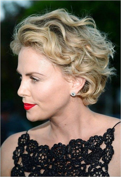 32 Popular Curly Hair Styles For Women 2015 Styles Weekly Voluminouswavyhair Continue Rea In 2020 Short Wavy Haircuts Charlize Theron Short Hair Short Curly Haircuts