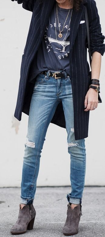 Graphic Tee, Long Coat (and How to Turn a Clutch Into a Shoulder Bag) | Alterations Needed #graphic