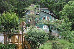 Laurel Springs Lodge B in Gatlinburg, TN. The Innkeepers are fantastic, the rooms are wonderful. Super-close to downtown, but feels like you're in the forest. LOVE this place! Oh, and the breakfasts are DIVINE!