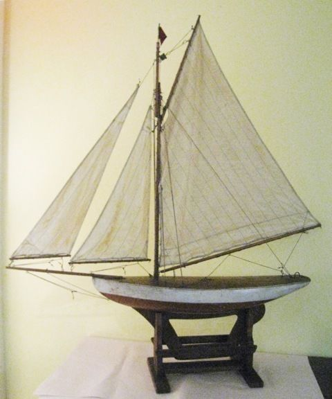Antique English Large Sloop Pond Yacht, Ca 1890