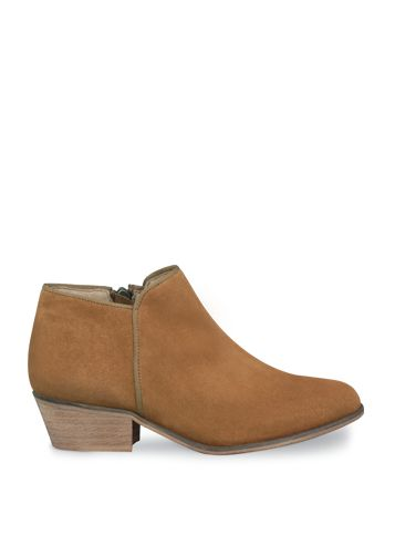 DUO Mandel - Tan suede flat ankle boots. | shoes. sandals. boots ...