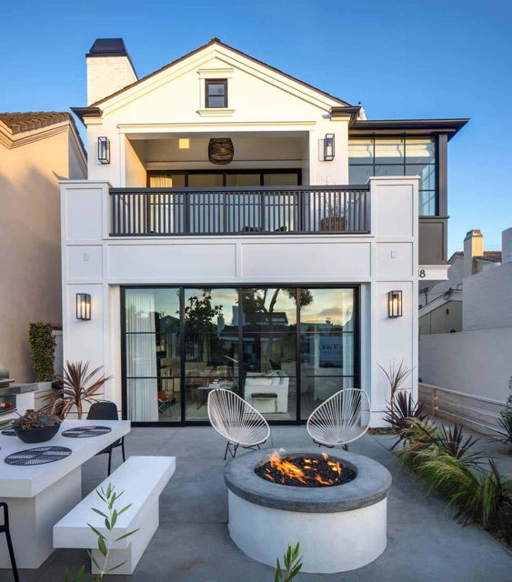Southern California beach house with gorgeous industrial-chic accents