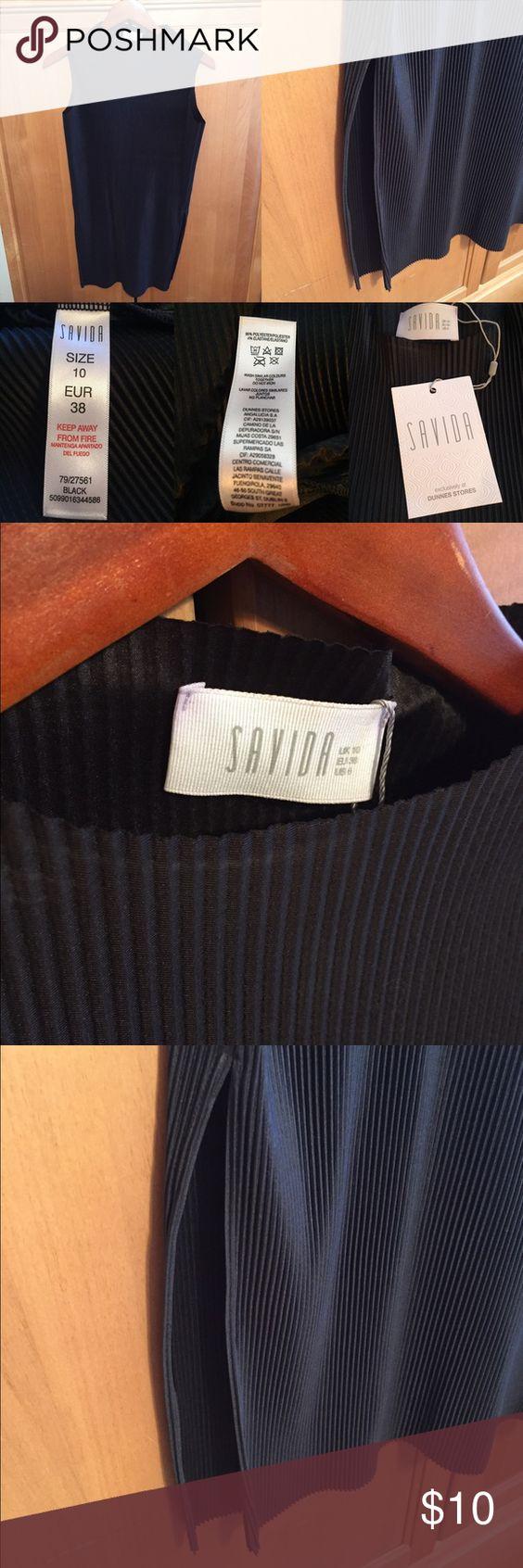 Black Savida pleated tunic length top - size 10 Size 10 black tunic length top by Savida Savida Tops Tank Tops