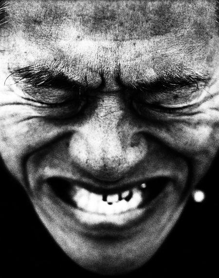 歯を食いしばるアントニオ猪木