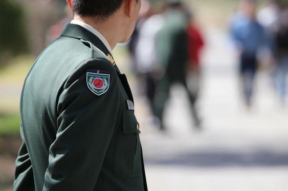 制服姿の隊員