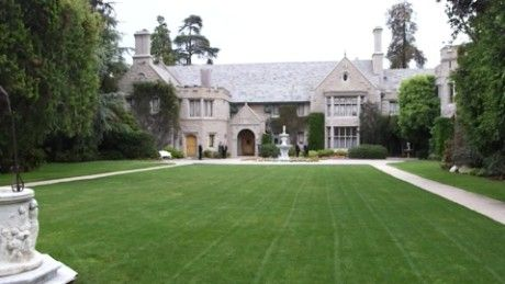 Luxury real estate agent and television personality Josh Altman predicts the type of person to buy the Playboy Mansion.