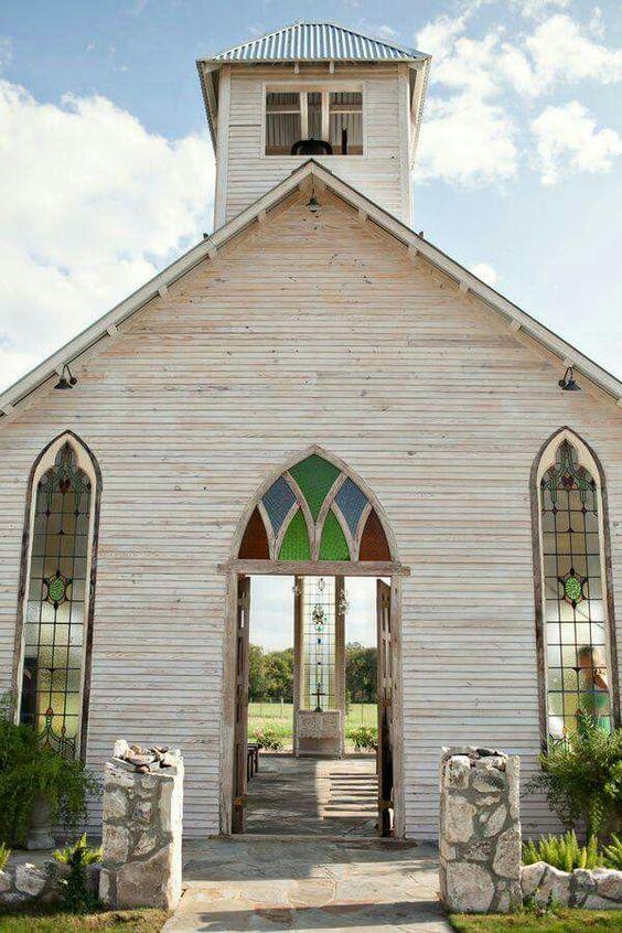 Open-air chapel in Gruene, TX