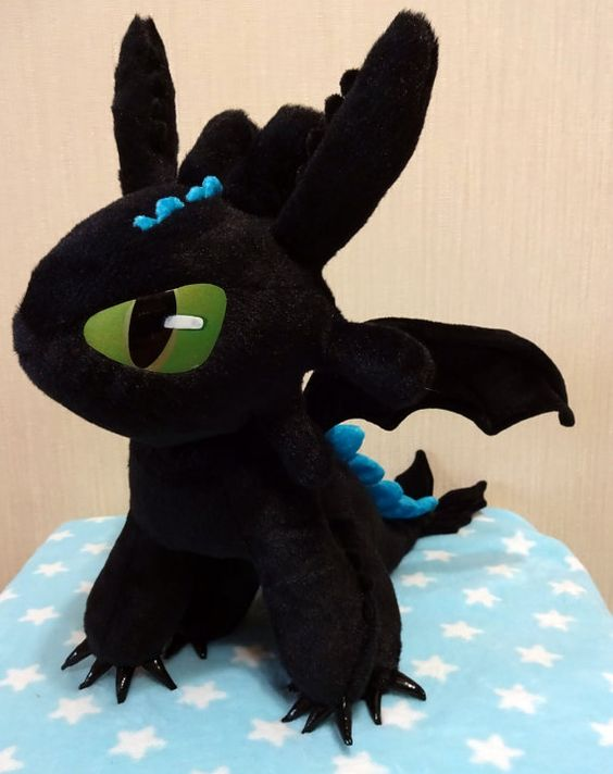 How to Train Your Dragon inspired sitting Alpha by Renchanshop