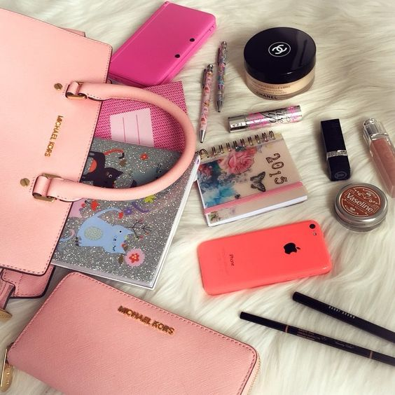 Whats in My Bag: