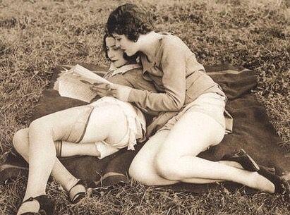 - - #lesbian #dyke #sapphic #lgbt #girlswholikegirls #girlswhokissgirls #girls #women #aesthetic #cyberpunk #vaporwave #vintage #retro