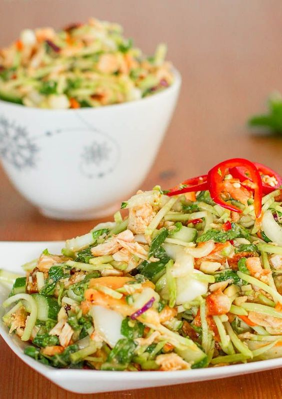 This simple Thai chicken salad has incredible flavors - peanuts, mint ...