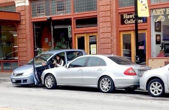 19 απίστευτες φωτογραφίες ανθρώπων που οπωσδήποτε πρέπει να μάθουν να παρκάρουν
