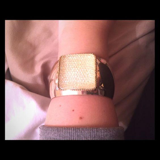 Gold cuff bracelet with silver glitter l worn 1x Gold cuff bracelet with silver glitter l worn 1x Forever 21 Jewelry Bracelets
