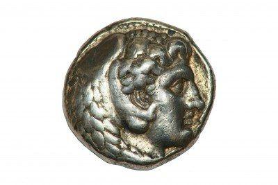 Tetradrachm moneda griega de plata de Alejandro Magno mostrando Zeus, de fecha 336-323BC.