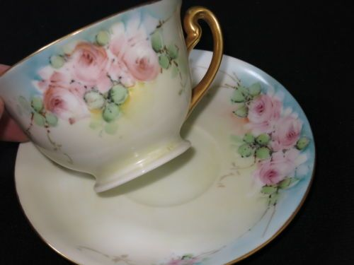 VINTAGE-HAND-PAINTED-PINK-ROSE-flowers-with-GOLD-TRIM-CHINA-CUP-SAUCER