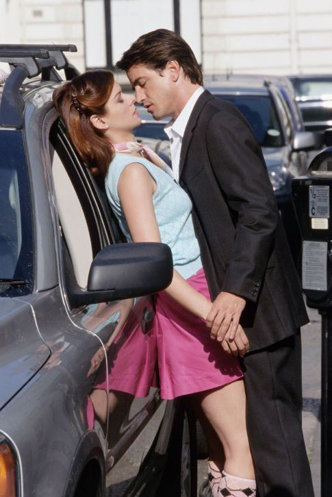 """LOVE this movie, and this particular scene was ROMANTIC and a half. """"The Wedding Date"""" - Dermot Mulroney & Debra Messing"""