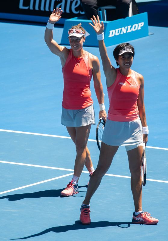 Shuai Zhang And Samantha Stosur Australian Open 01 21 2019 In 2020 Australian Open Samantha Australian