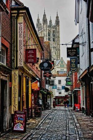 Calle en Canterbury, Kent, Inglaterra