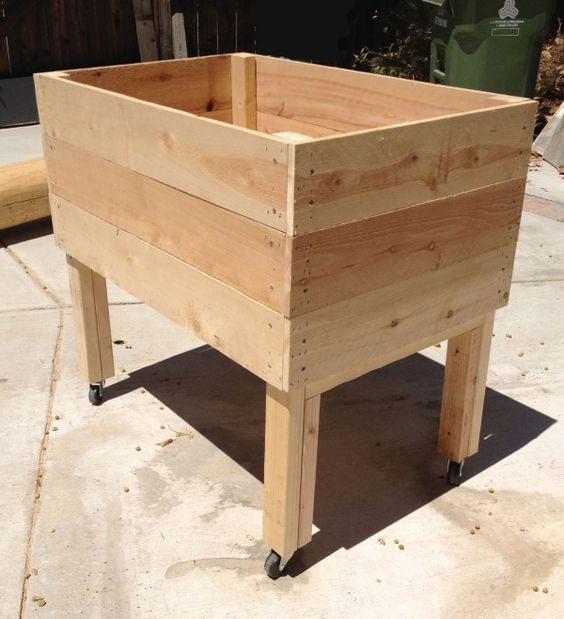 Living Green Planters Portable Elevated Planter Box