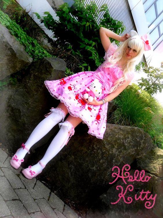 http://fc01.deviantart.net/fs70/f/2011/169/6/3/hello_kitty_lolita_cosplay_by_sorayachi-d3j8eps.jpg