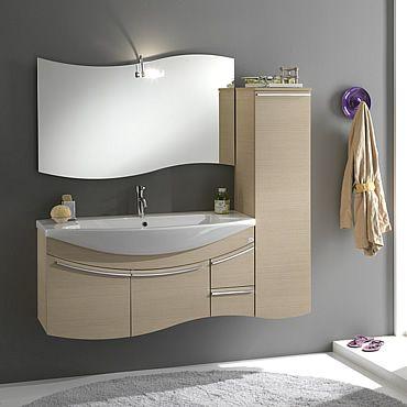 El lavabo con mueble y espejo para el baño, el mueble es ...