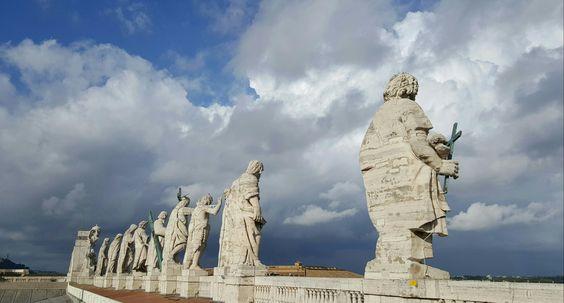 Regarder l'humanité du haut de la Basilique Saint Pierre #Vaticano