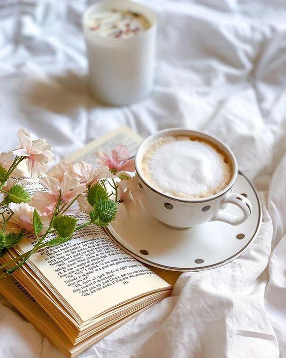 ضوء الشمس كوب قهوة قراءة كتاب كل هذه تعني صباح السعادة وكل الخير ㅤ ㅤ By Rrehabii ㅤ Chosen By Rawasi ㅤ التقييم مـن 5 ㅤㅤㅤㅤ تـاقـزات Tableware Glassware
