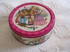 VINTAGE SOLDIER AND LADY QUALITY STREET TIN –1970S