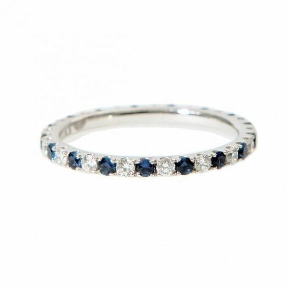 oro blanco, diamantes y zafiro anillo