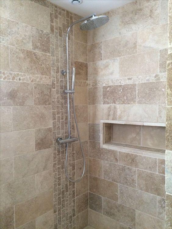 Salle de bain travertin douche italienne niche Lakás0 Pinterest