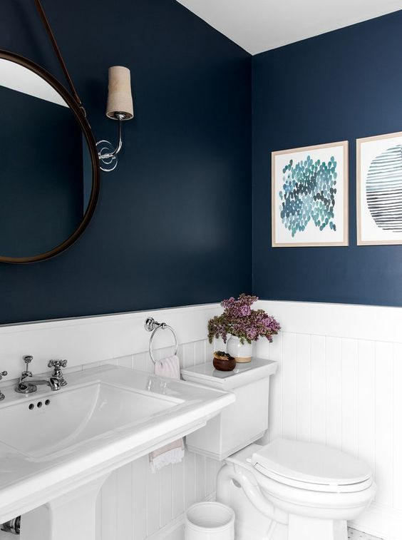 white and navy bathroom decorating ideas