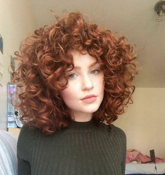 El pelo rizado es maravilloso, pero requiere una serie de cuidados para que alcance el máximo potencial. Cuida tu cabello y verás de lo que es capaz  #rizado #rizos #curlyhair #curls #peluquería #hair #hairstyles