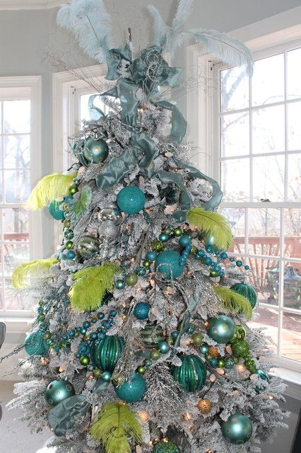 Blue christmas tree ornaments decoist christmas trees for Amazing christmas tree decorations