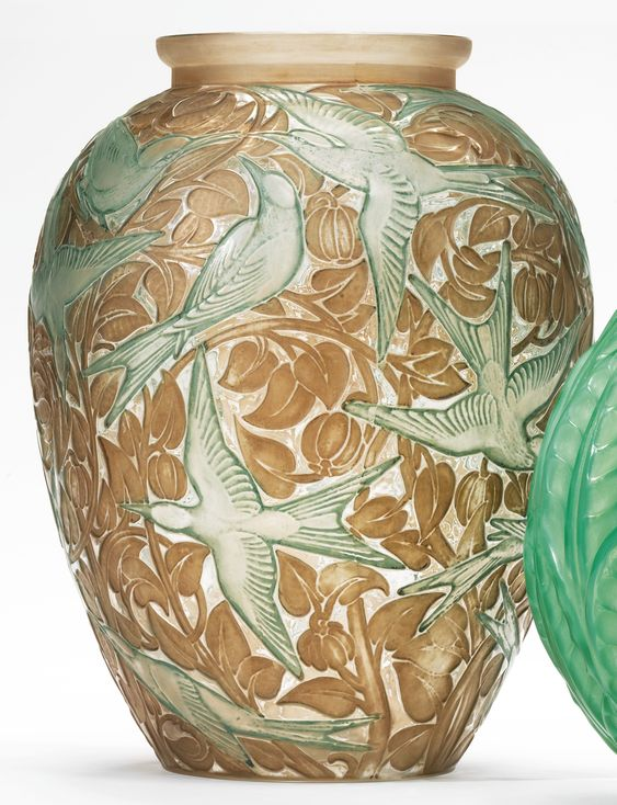 """René Lalique """"MARTIN-PECHEURS"""" VASE, MARCILHAC NO. 92"""