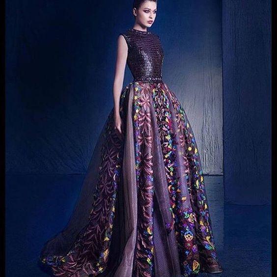 Nicolasjebran#weddingbride #weddingstyle #countriesstyle #bridaldown #colorful #catwalk #fashionshow #fashiondiaries #fashionista #fashioncouture #trendy #vestido #couture #design #dressdown #dreams #gelinlik #girlsfashion #lake