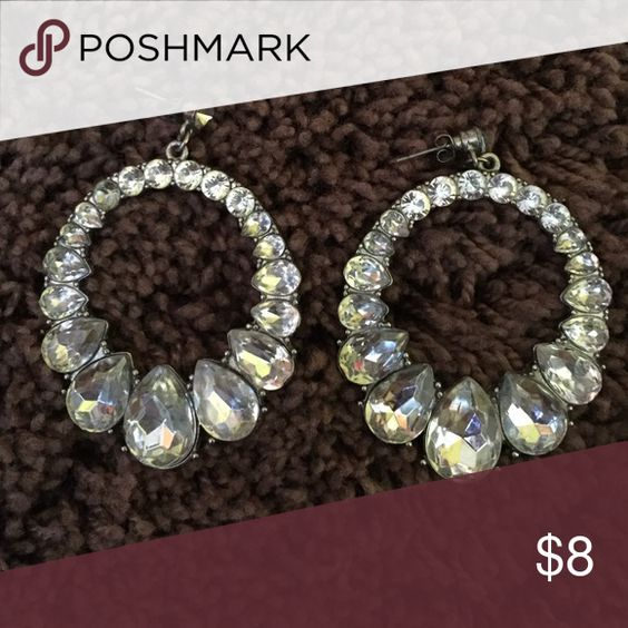 Forever 21 sparkling hoops Super sparkly and perfect for a night out! Forever 21 Jewelry Earrings