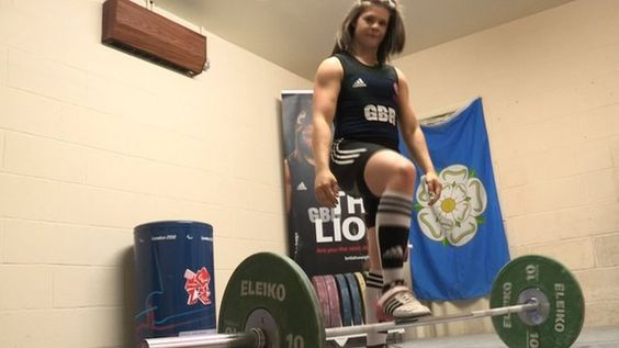BBC Sport - GB weightlifter Rebekah Tiler, 15, dreams of Olympic gold