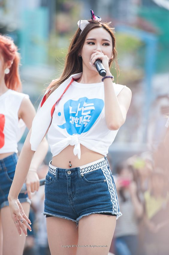 Le Has A Belly Button Piercing Why Am I So Gay Exid