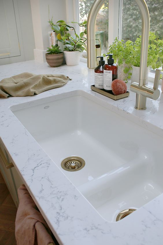 Imagine how a KOHLER Cast Iron Sink could act as a stunning and durable addition to your kitchen. #kitchensink #durable #kitchen