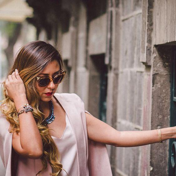 Siempre los accesorios hacen la diferencia  nos encanta el look de @lulalogy para un dia como hoy ✌️ feliz sabado! Encuentra estos y mas en www.REDQUEENJOYERIA.com #ShopOnline #EnviosGratis #RedQueenJoyeria #RQJ #RedQueen #Accessories #Complementos #Joyeria #Mexico #CdMx #Sparkly #Shiny #Chic #Trendy #Fashion #Moda #MarcaMexicana