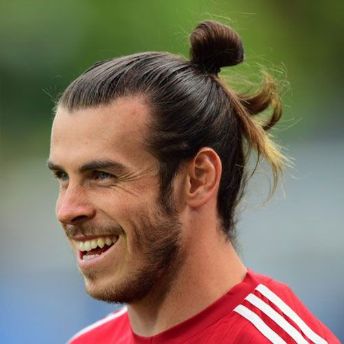 Der Gareth Bale Haarschnitt Gareth Haarschnitt Soccer Hair Soccer Player Hairstyles Long Hair Styles Men